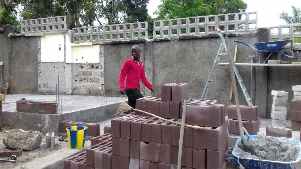 Construcci n de sanitarios en escuela de secundaria for Proyectos de construccion de escuelas