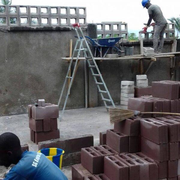 Construcción proyecto Sanitarios
