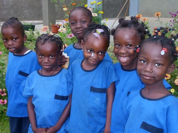 Un grupo de niños en la Escuela
